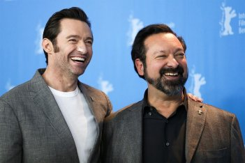 Logan: Hugh Jackman e il regista James Mangold a Berlino