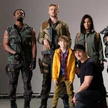 The Predator: il cast del film con il regista Shane Black