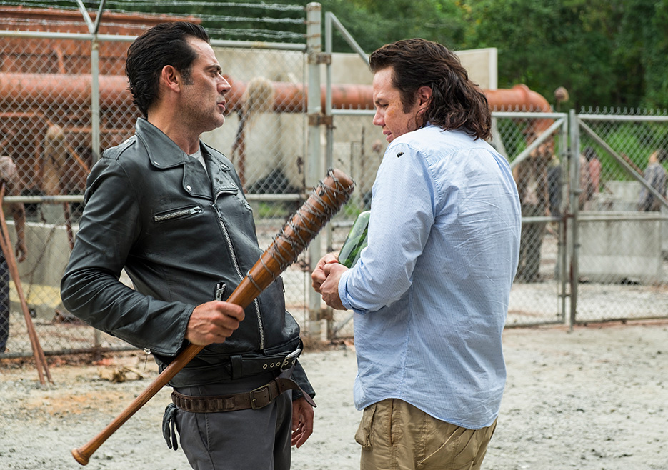 The Walking Dead: gli attori Jeffrey Dean Morgan e Josh McDermitt in Hostiles and Calamities