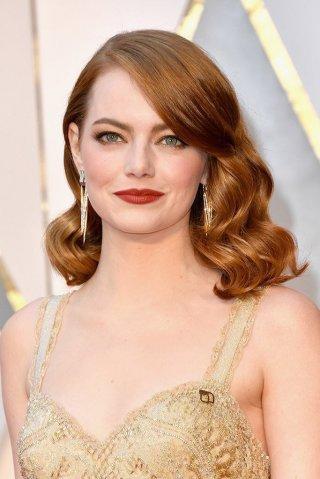 Oscar 2017: Emma Stone sul red carpet dell'evento