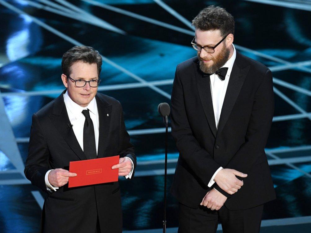 Michael J. Fox e Seth Rogen sul palco degli Oscar 2017