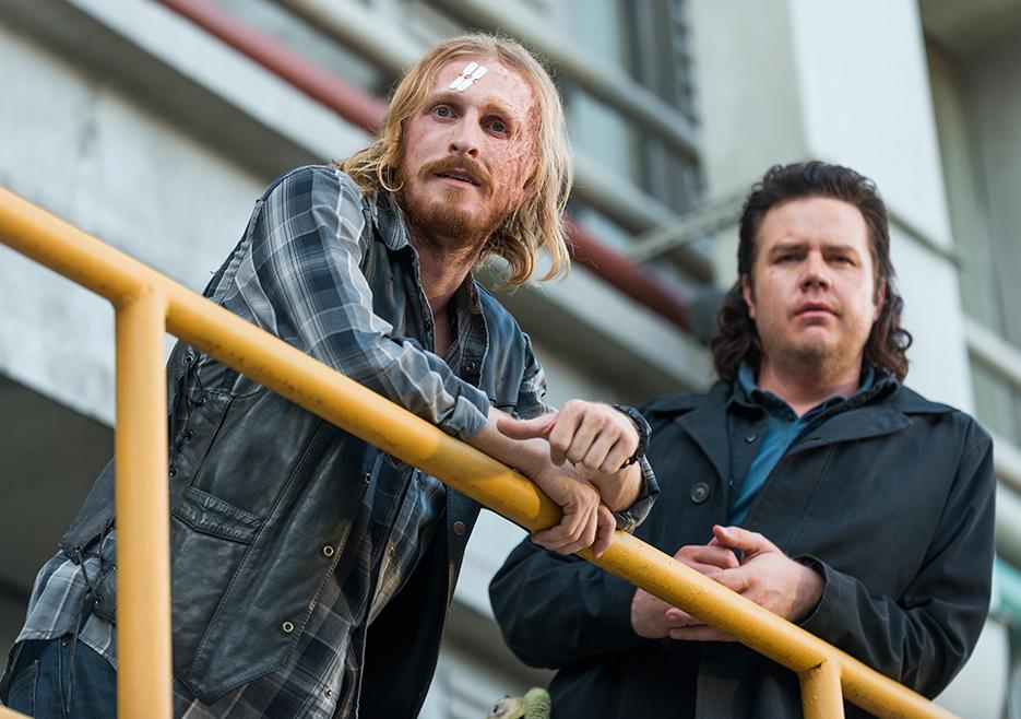The Walking Dead: Austin Amelio e Josh McDermitt in Hostiles and Calamities