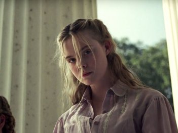 The Beguiled: Elle Fanning in una scena del film