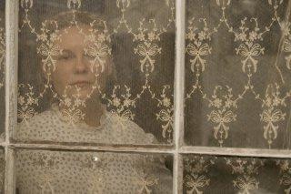 The Beguiled: Kirsten Duns dietro un vetro