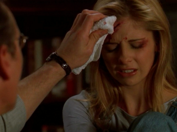 Buffy the Vampire Slayer: una scena dell'episodio Compleanno di terrore