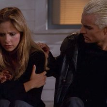 Buffy the Vampire Slayer: James Marsters e Sarah Michelle Gellar nell'episodio Pazzi d'amore