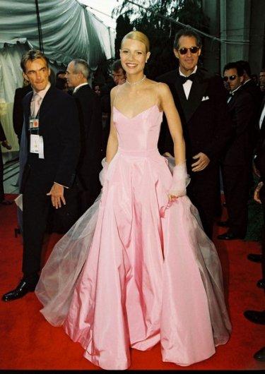 Gwyneth Paltrow alla cerimonia degli Oscar del 1999