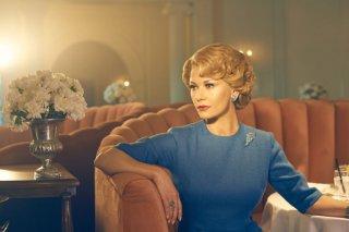 Feud: Catherine Zeta Jones in una foto della serie
