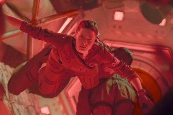 Life - Non oltrepassare il limite: Rebecca Ferguson in una scena del film