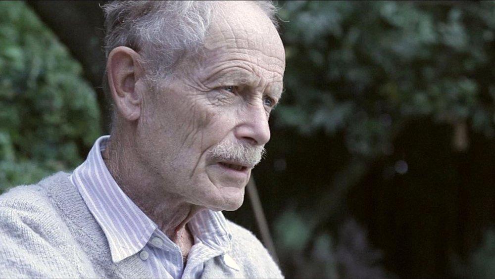 Piigs - Ovvero come imparai a preoccuparmi e a combattere l'austerity: Erri De Luca in un'immagine del documentario