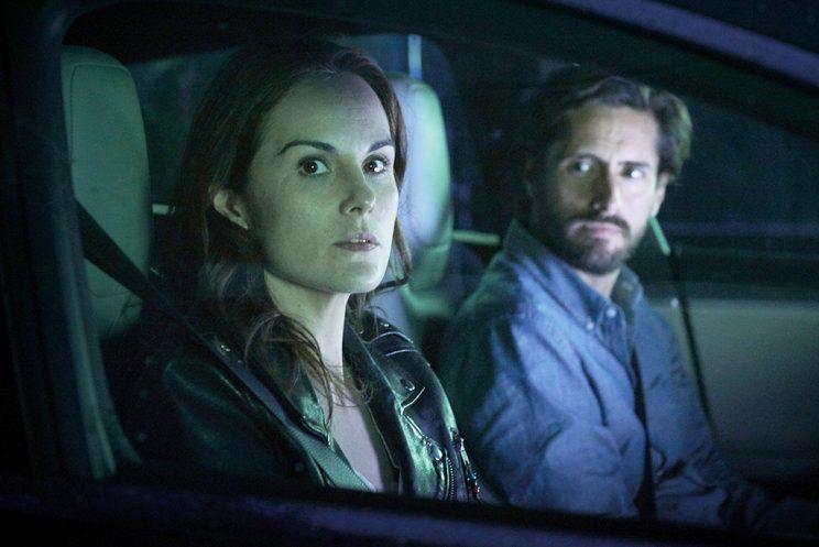 Good Behavior: Michelle Dockery e Juan Diego Botto in una foto della serie