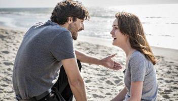Good Behavior: una foto dei protagonisti Juan Diego Botto e Michelle Dockery