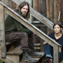The Walking Dead: Tom Payne e Lauren Cohan in The Other Side