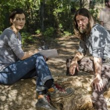 The Walking Dead: Lauren Cohan e Tom Payne in una foto di The Other Side