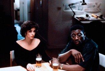 Jungle Fever: Wesley Snipes e Annabella Sciorra in una scena