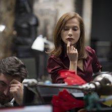 Elle: una scena con Michèle/ Isabelle Huppert nel suo ufficio