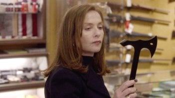 Elle: Isabelle Huppert al contrattacco