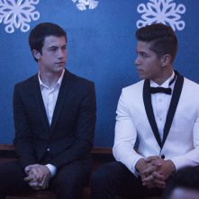 Tredici: Dylan Minnette e Christian Navarro in una foto della serie