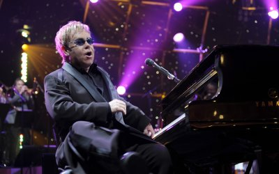 Happy birthday, Rocket Man! Elton John e la Top 10 delle sue canzoni al cinema