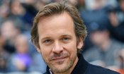 Peter Sarsgaard in The Looming Tower, serie dedicata ai fatti che portarono all'11 settembre 2001