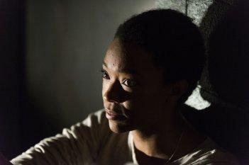 The Walking Dead: Sonequa Martin-Green interpreta Sasha in Something They Need