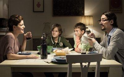 La mia famiglia a soqquadro: esile commedia sul peso della diversità