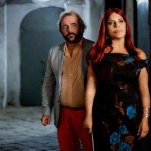 La parrucchiera: Tony Tammaro e Cristina Donadio in una scena del film