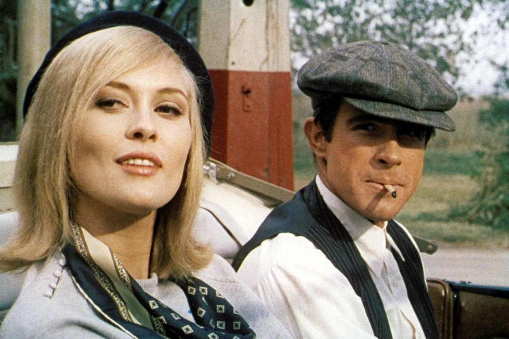 Gangster Story: Warren Beatty e Faye Dunaway in una scena del film