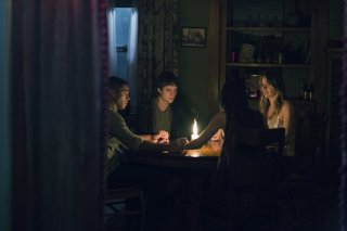 The Bye Bye Man: Lucien Laviscount, Douglas Smith, Jenna Kanell e Cressida Bonas in una scena del film