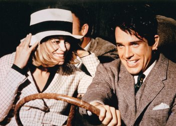 Gangster Story: Warren Beatty e Faye Dunaway in un momento del film