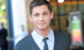 Logan Lerman e Olivia Cooke in The Tracking Of A Russian Spy