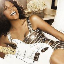 Whitney: un'immagine di una Whitney Houston sorridente