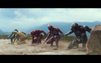 "Power Rangers  - Featurette ""Bigger and better"""