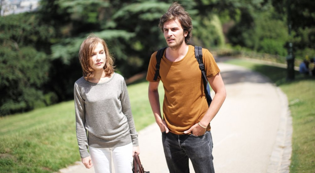Things to Come: Isabelle Huppert e Roman Kolinka in una scena del film