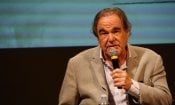 Oliver Stone: dalla faida con Dino De Laurentiis al documentario su Putin