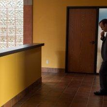 Better Call Saul 3: Bob Odenkirk in un momento della premiere della nuova stagione
