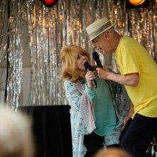 Insospettabili sospetti: Alan Arkin e Ann-Margret in una scena del film