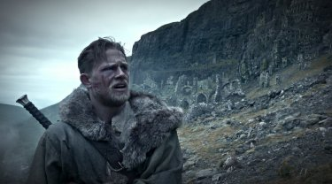 King Arthur: Legend of the Sword - Charlie Hunnam in una foto del film