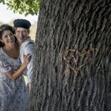 La storia dell'amore: Gemma Arterton e Mark Rendall divertiti in una scena del film