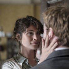 La storia dell'amore: Gemma Arterton e Mark Rendall in una scena del film