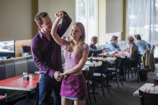 Song to Song: Natalie Portman e Michael Fassbender in una scena del film