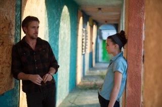 Song to Song: Ryan Gosling e Rooney Mara in una scena del film