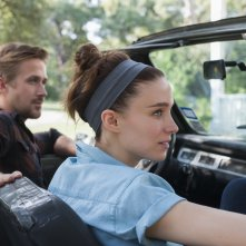 Song to Song: Ryan Gosling e Rooney Mara in un momento del film