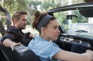 Song to Song: Ryan Gosling e Rooney Mara in un momento del film