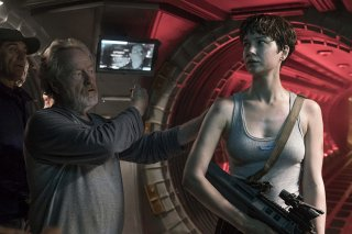 Alien: Covenant - Ridley Scott insieme a Katherine Waterston sul set