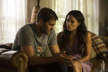 L'amore criminale: Rosario Dawson e Geoff Stults in una scena del film