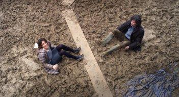Qualcosa di troppo: Audrey Dana ed Eric Elmosnino in un momento del film