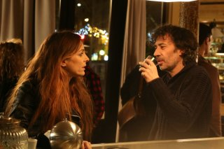 Qualcosa di troppo: Audrey Dana ed Eric Elmosnino in una scena del film