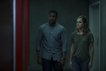 The Circle: Emma Watson e John Boyega in una scena del film