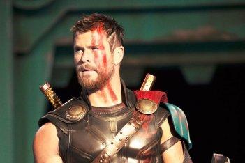 Thor: Ragnarok, un'immagine ravvicinata di Chris Hemsworth
